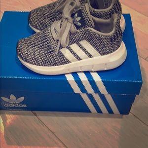 Adidas walker size 7 swift run sneakers